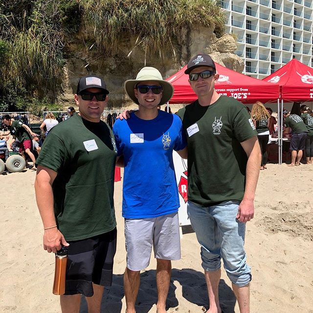 Local 1171 members making a difference at the last #RideAWave event held in Santa Cruz. What a great cause and fun time out for everyone! Keep your eyes peeled for the next Ride A Wave event on June 22nd and 23rd. #Local1171 #RAW #firefighters @santaclara_fd @santaclaracity @bayareafirefighter
