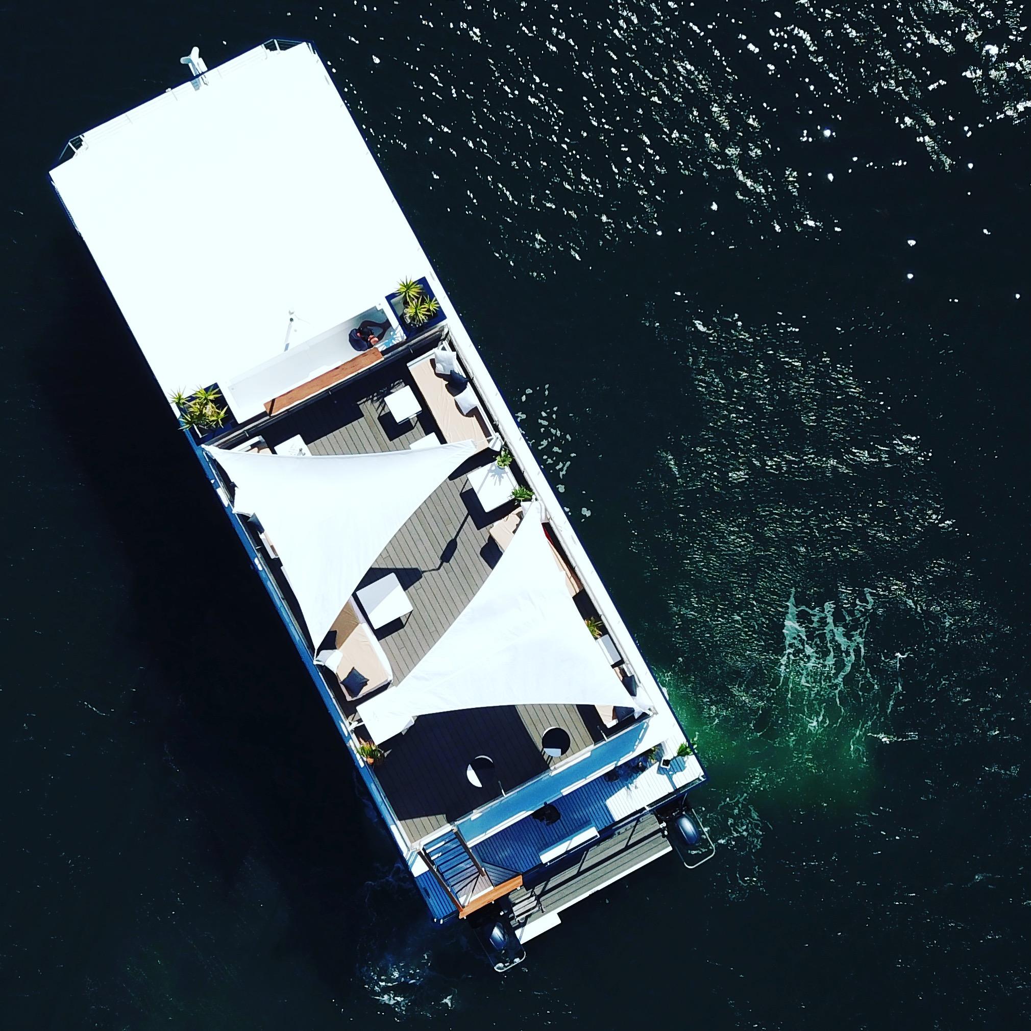 roof top bar sydney harbour yachts boat hire vodka bar sundeck luxury events partys .JPG