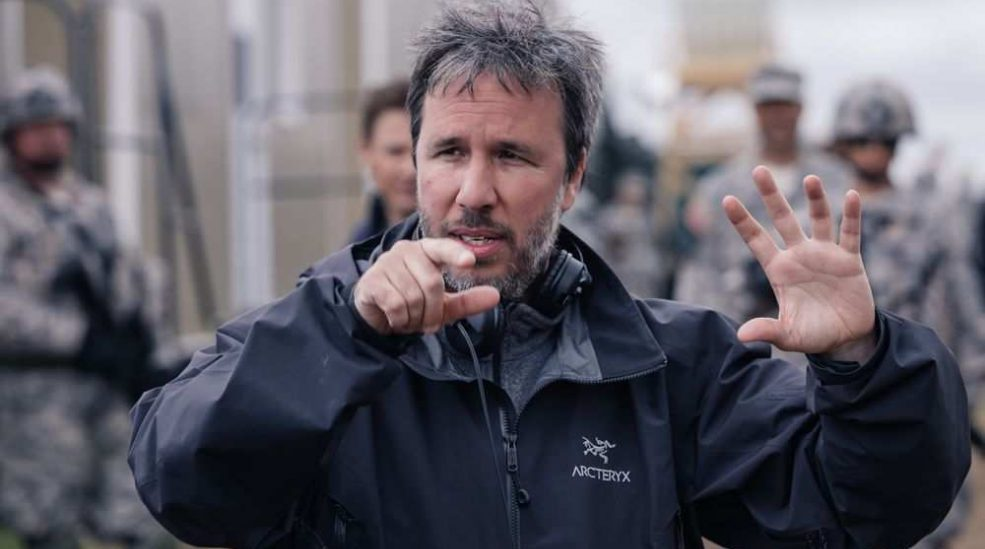 arrival-director-denis-villeneuve-on-the-set-of-the-film-a-e1478989623652.jpg