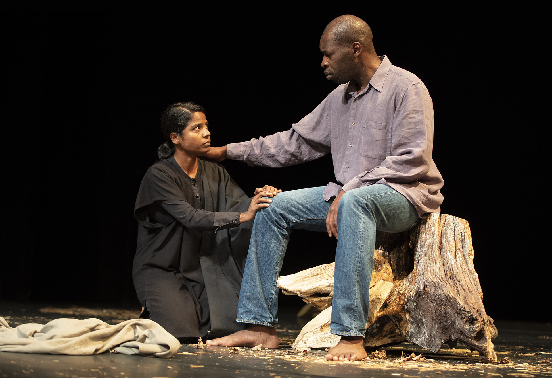 Kalieaswari Srinivasan as Nadia & Hervé Goffings as Ezekiel in Peter Brook's   The Prisoner   at  the Theatre for a New Audience  in New York. Photo: Joan Marcus.