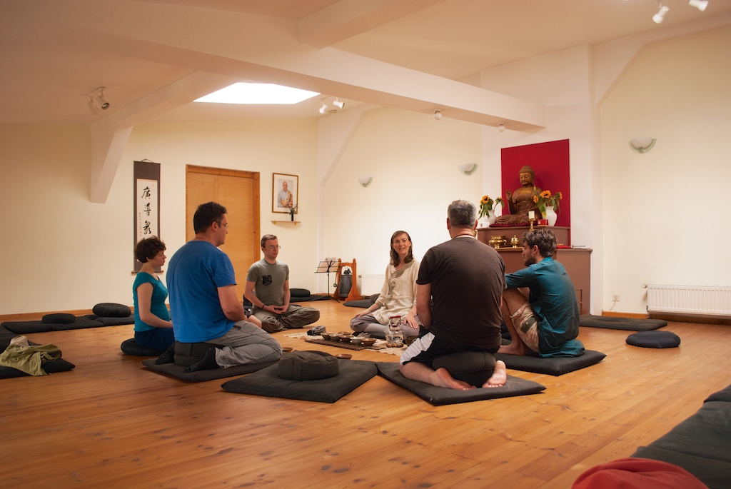 speaking on tea & Zen at a Zendo in Berlin (2014)