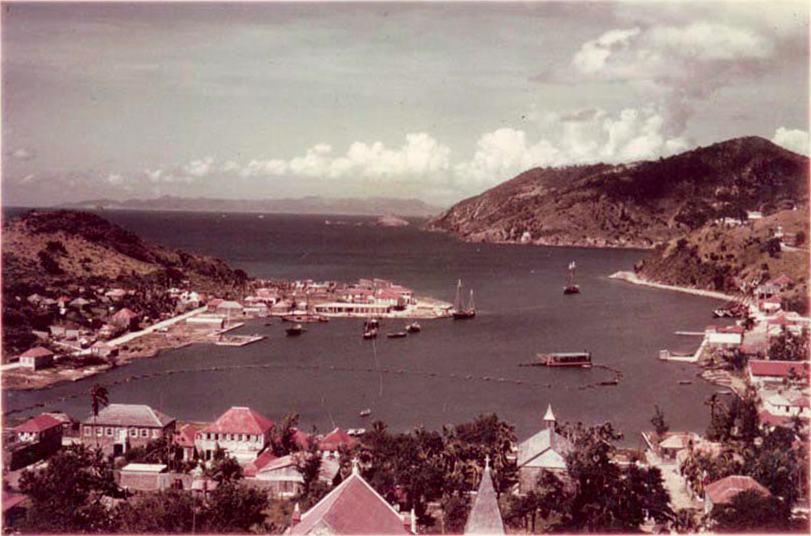 The Harbour at Gustavia (1958) / Photo: flysbh.com