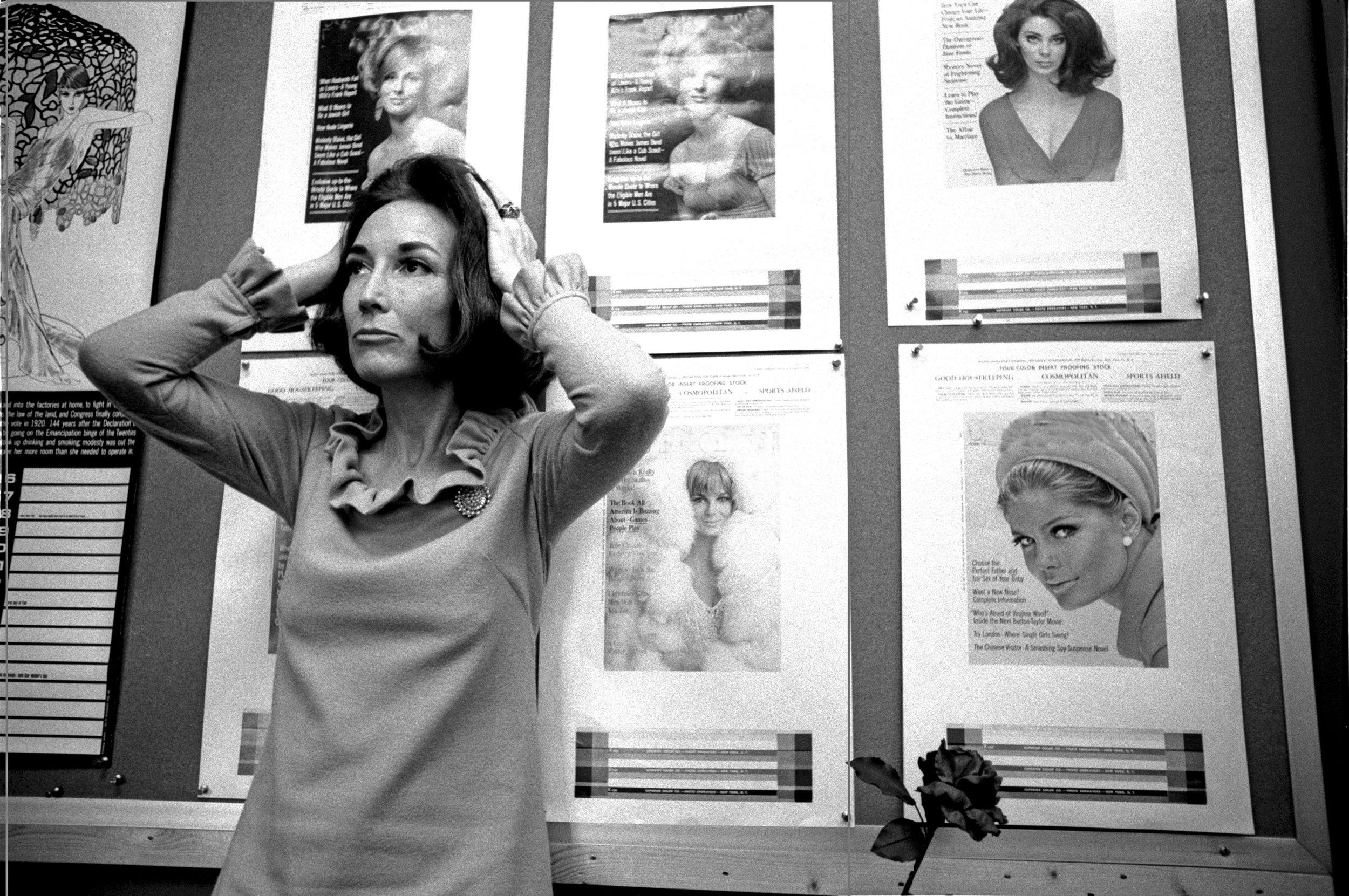 Helen Gurley Brown in her Cosmopolitan office / Photo: assets.vogue.com