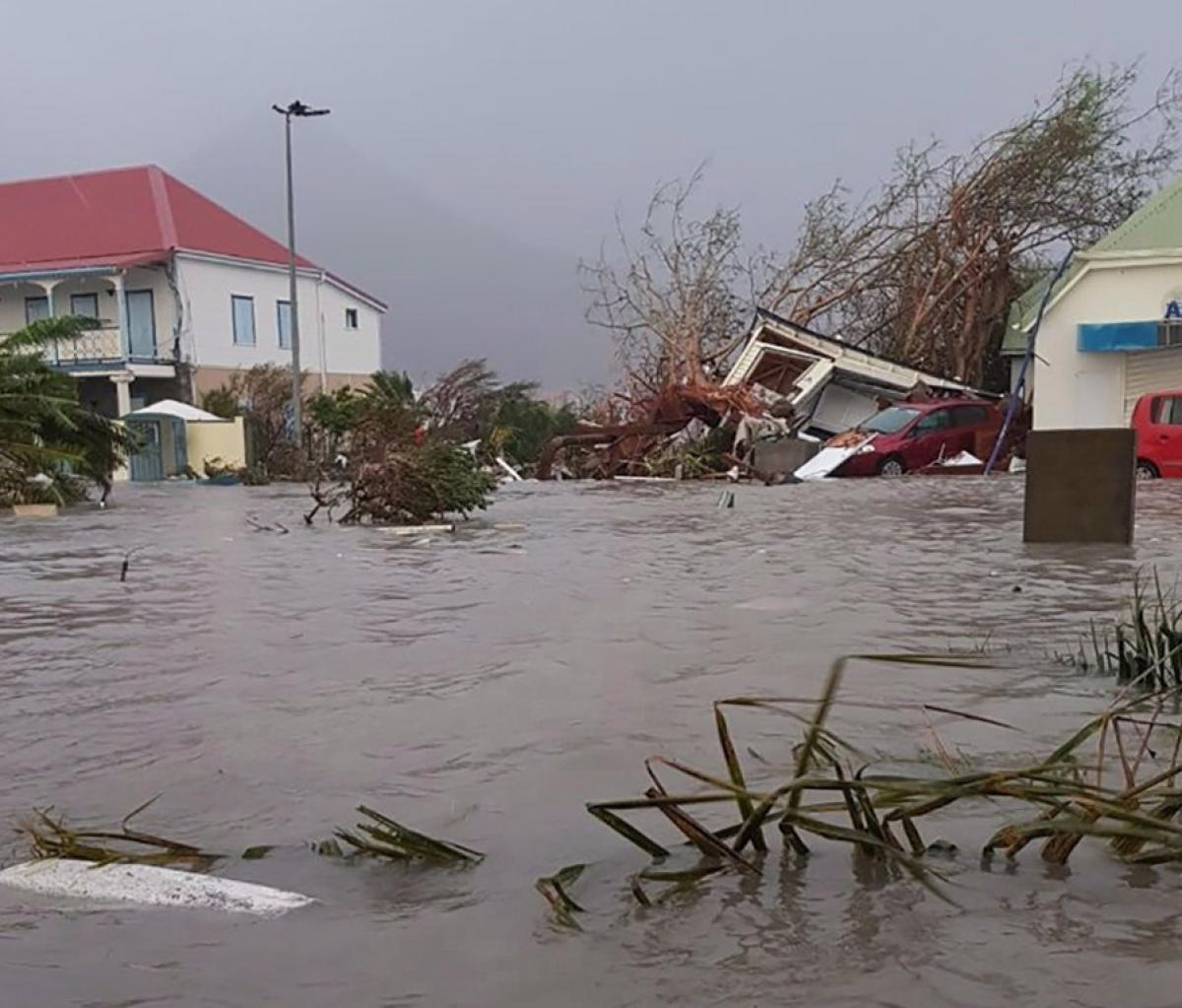A flooded street on the island of St Martin / Photo: AFP/RCI Guadeloupe/Rinsey Xieng