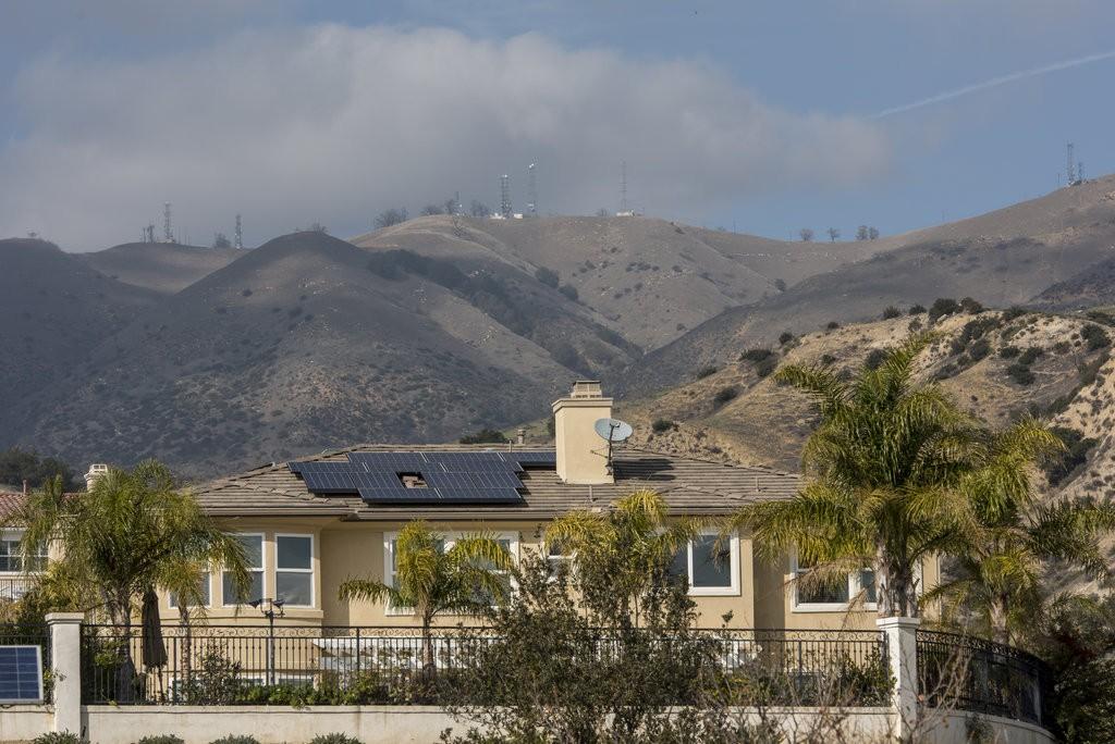 Solar panels on a Southern California home / Photo: David Paul Morris/Bloomberg
