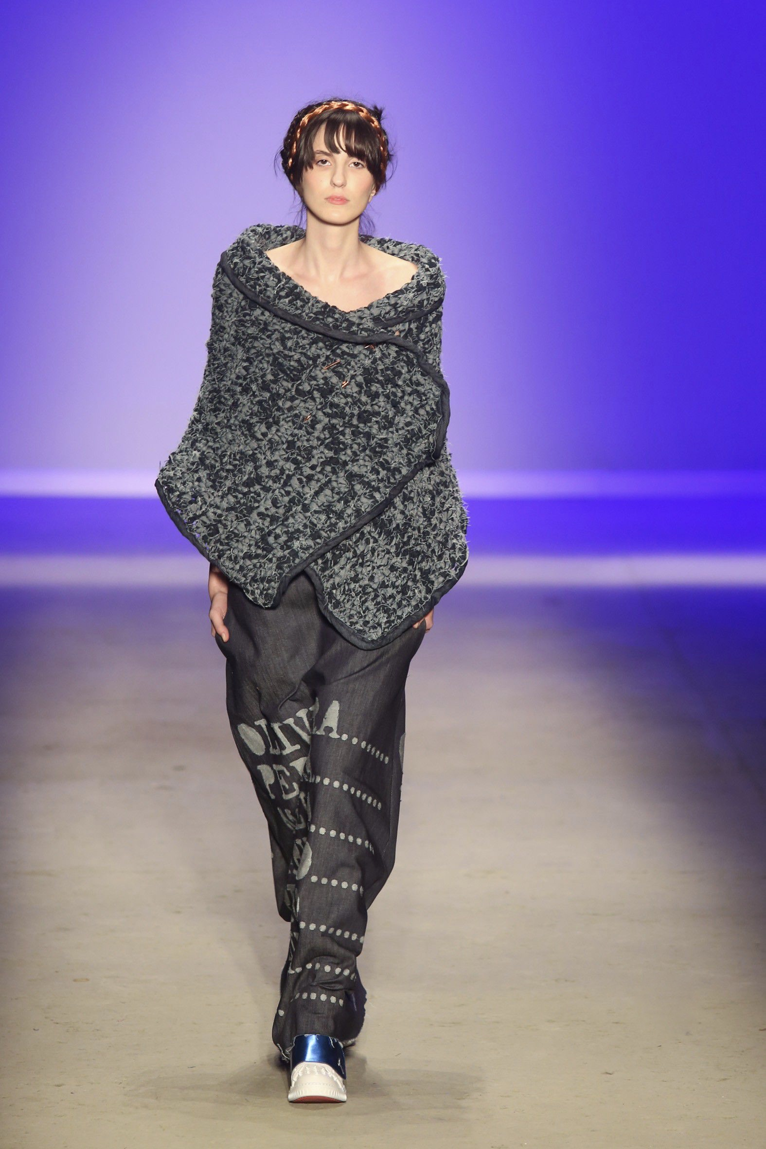 One of the looks from Ronaldo Fraga's intolerance-influenced collection / Photo: Xinhua/Rahel Patrasso.