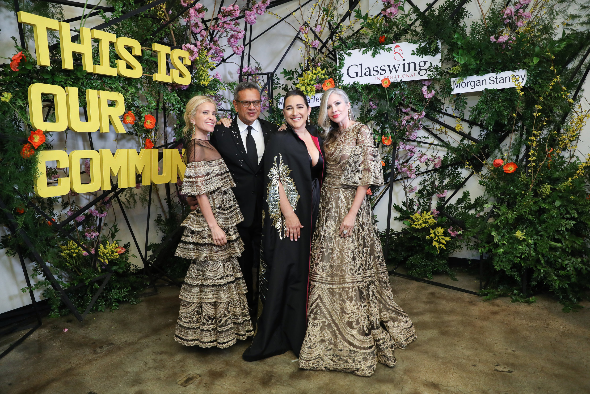 Carmen with gala co-chair Jana Pasquel de Shapiro, designer Naeem Khan and Glasswing founder Celina de Sola.