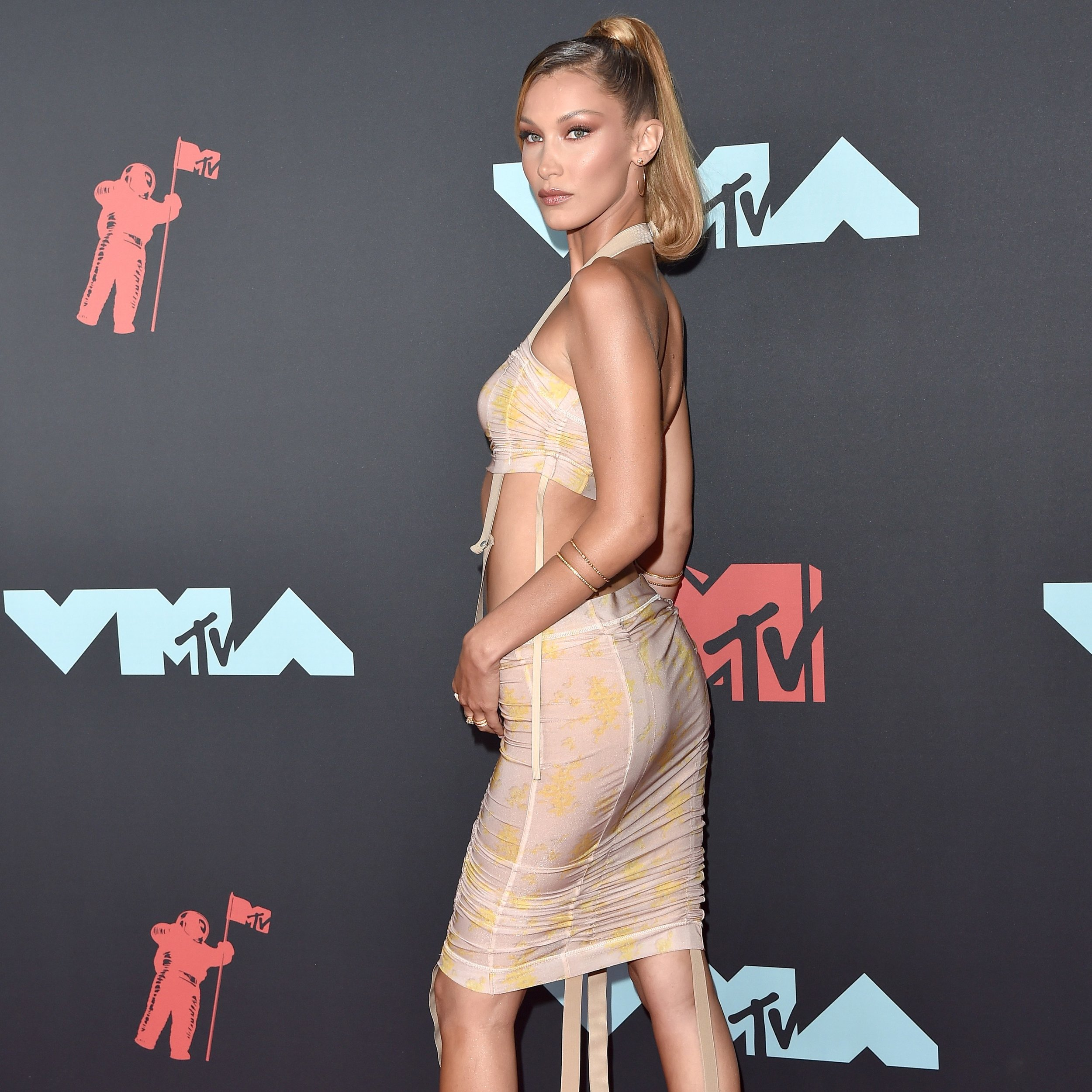 Bella Hadid in Charlotte Knowles at this week's VMAs / Photo: Getty Images.