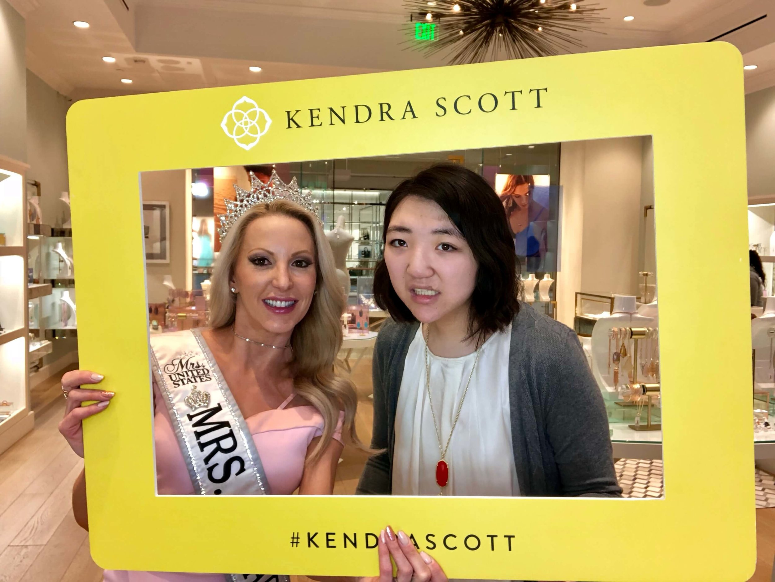 Kendra Scott Gives Back - To Benefit New Vista