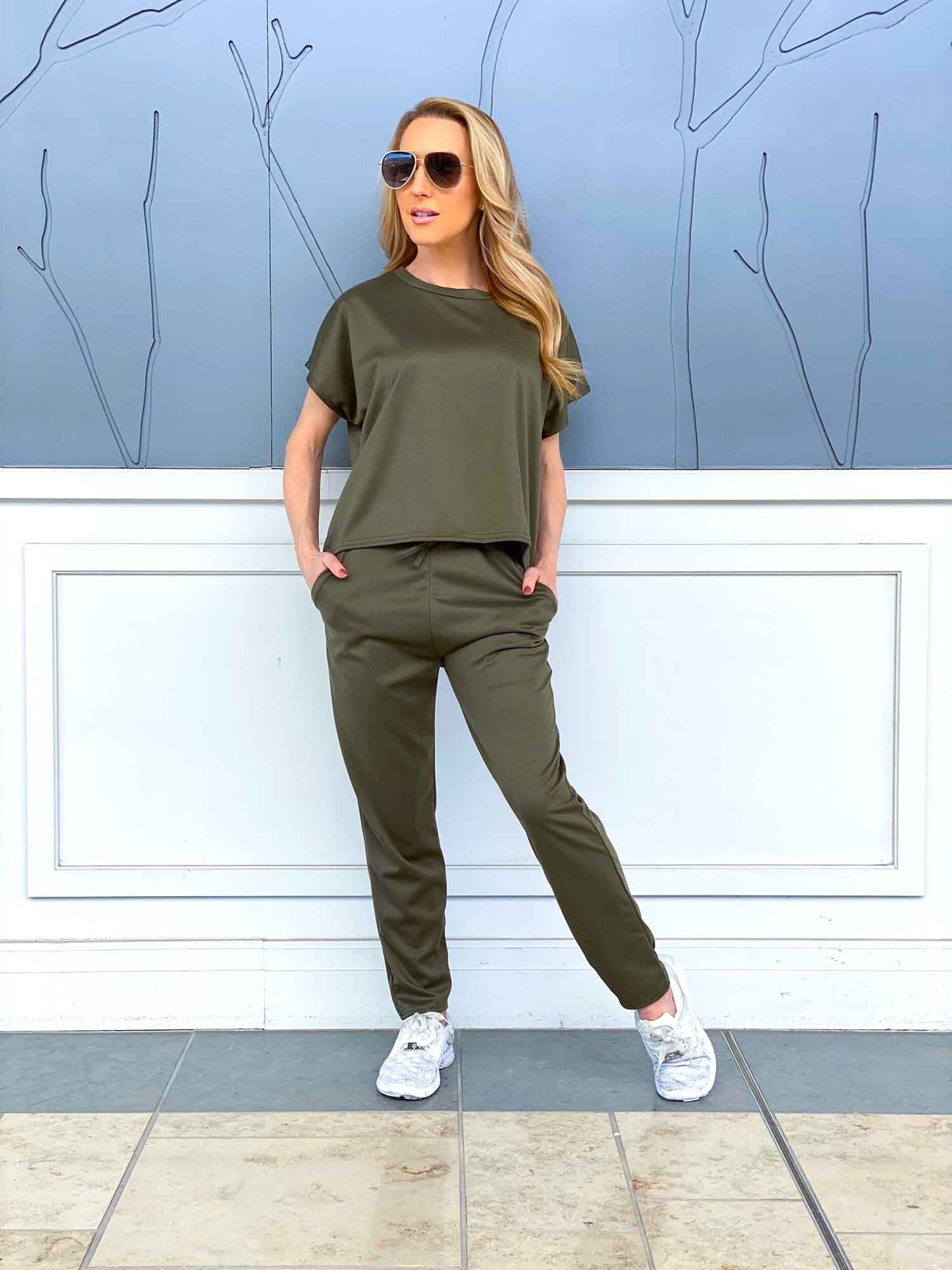 khaki-loungewear-set-femme-luxe-finery-review.jpg