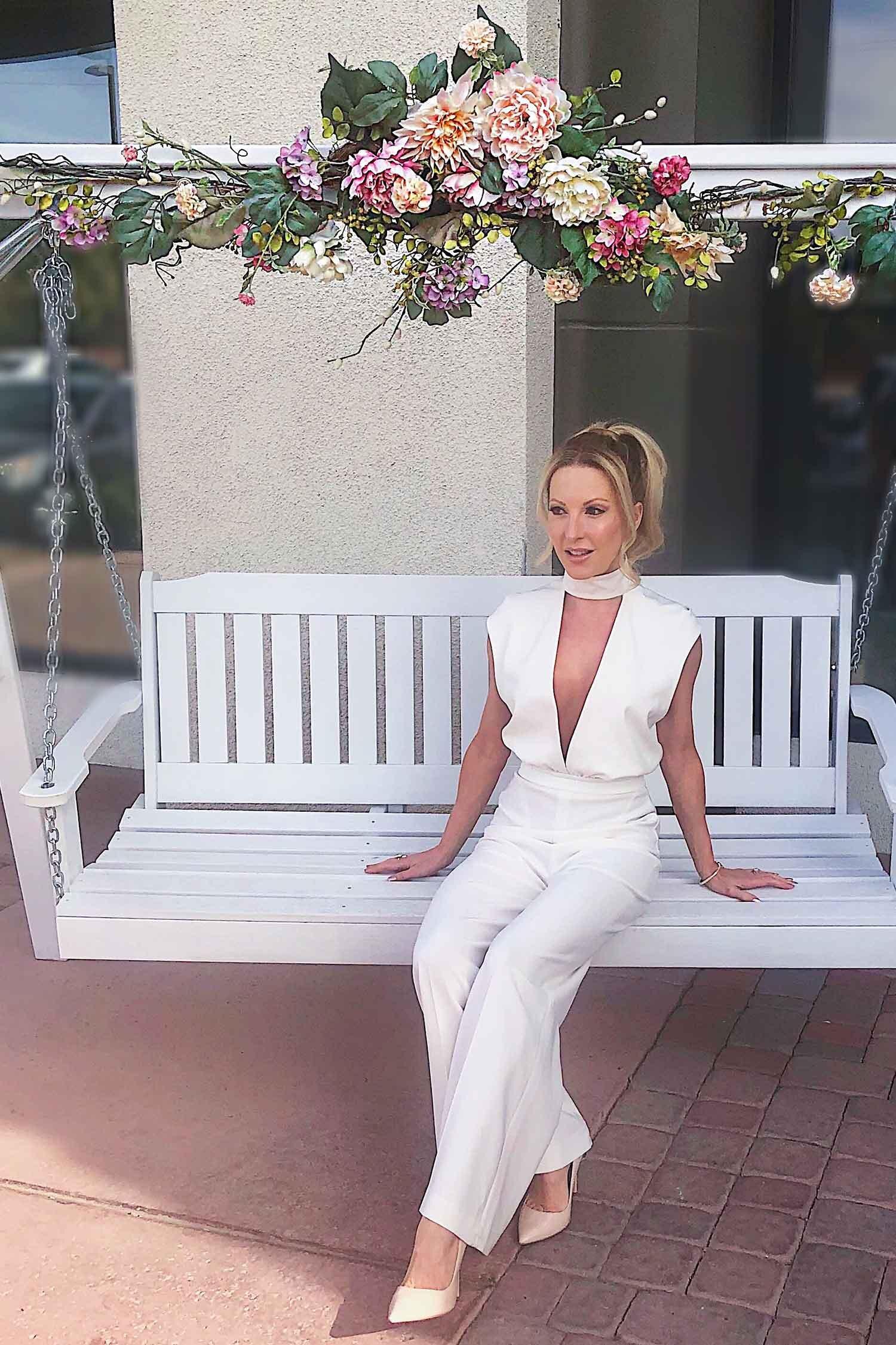 Las Vegas photo opp blogger Eve Dawes Cafe Lola swing white jump suit