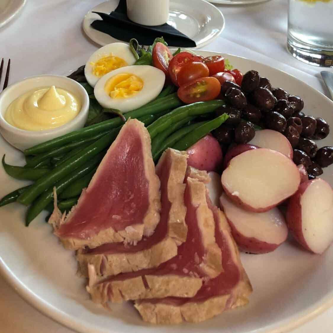 how to stay in shape healthy Nicoise salad seared tuna King Estate Winery Eugene Oregon