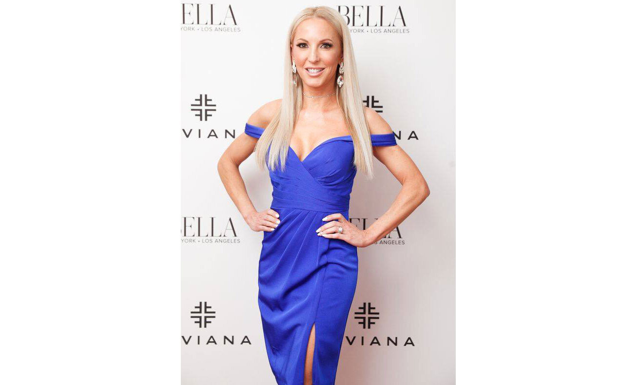 Model Blogger Eve Dawes  Faviana's  Red Carpet Oscar Viewing Party with FakeBake