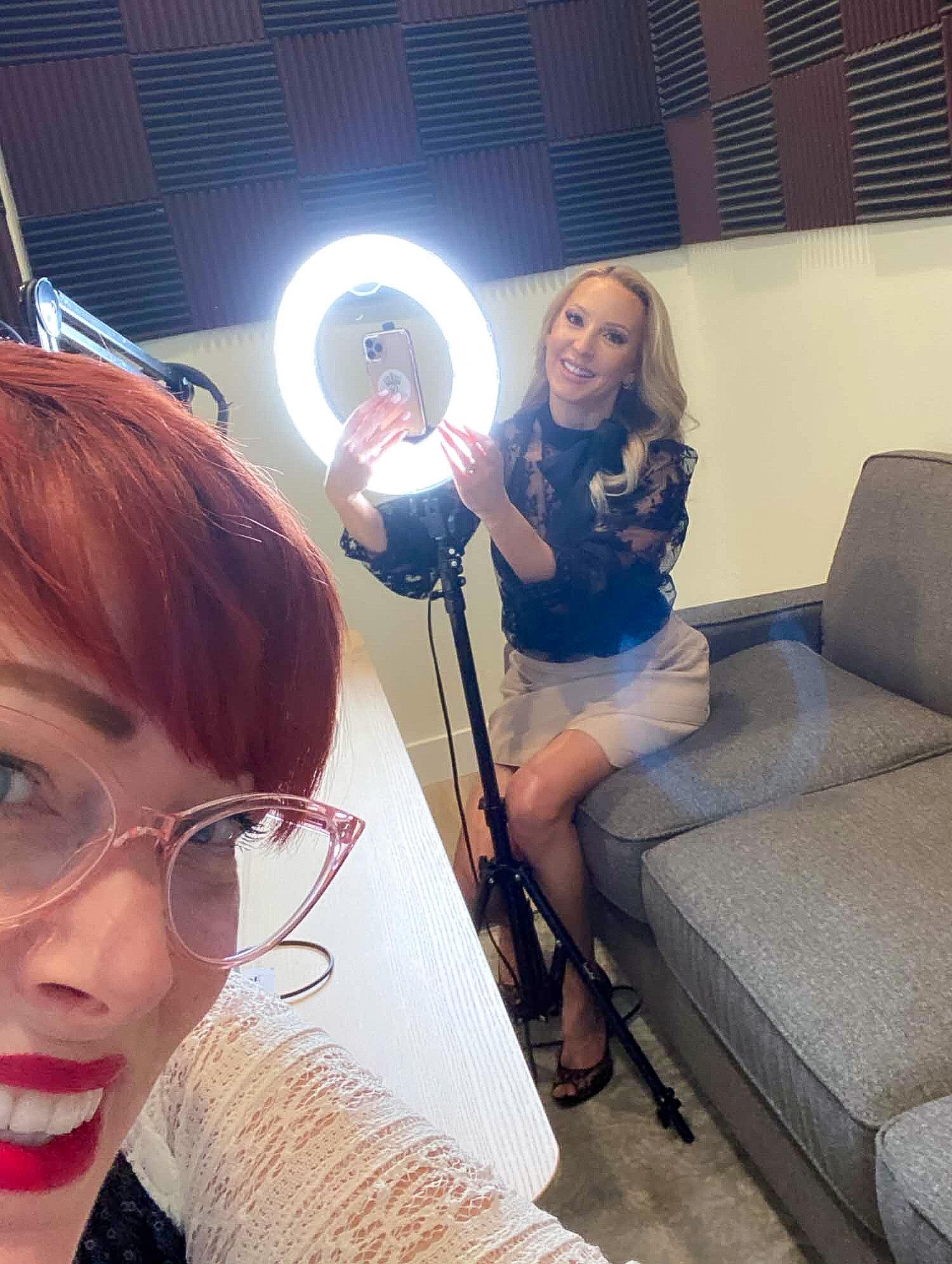 beauty tip Hairdresser and fitness blogger selfie