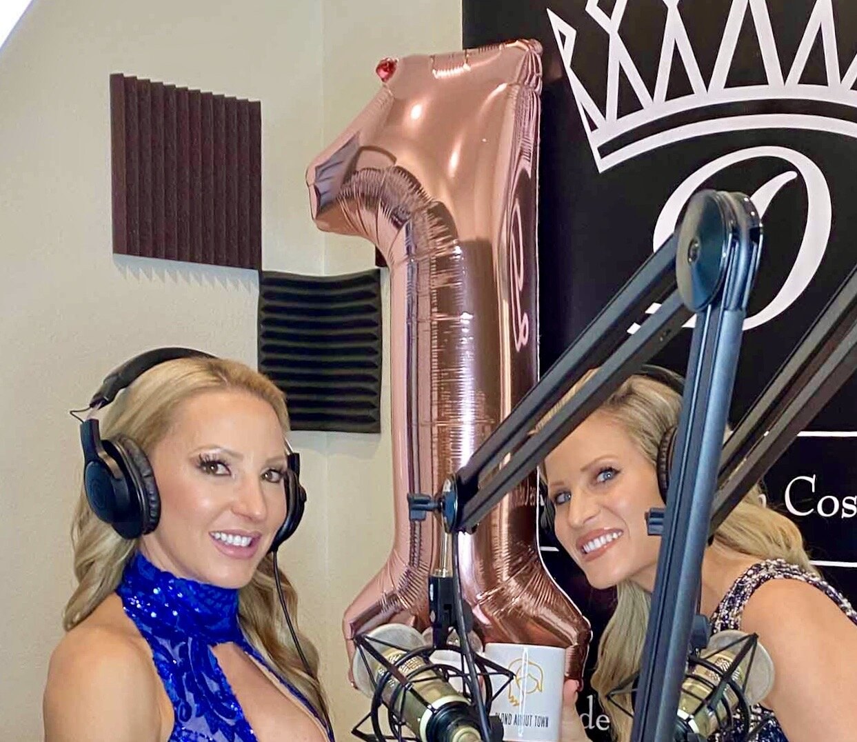 Glamour Gains vegas beauty blogger podcast studio Blond About Town Eve Dawes