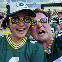 Japanese Packers Fans Get Full Green Bay Experience