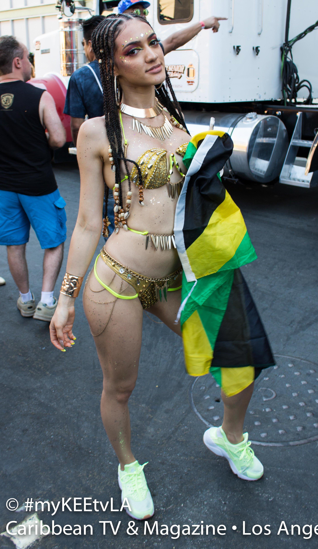 Samantha J Hollywod Carnival 17_0129 HQ-2.jpg