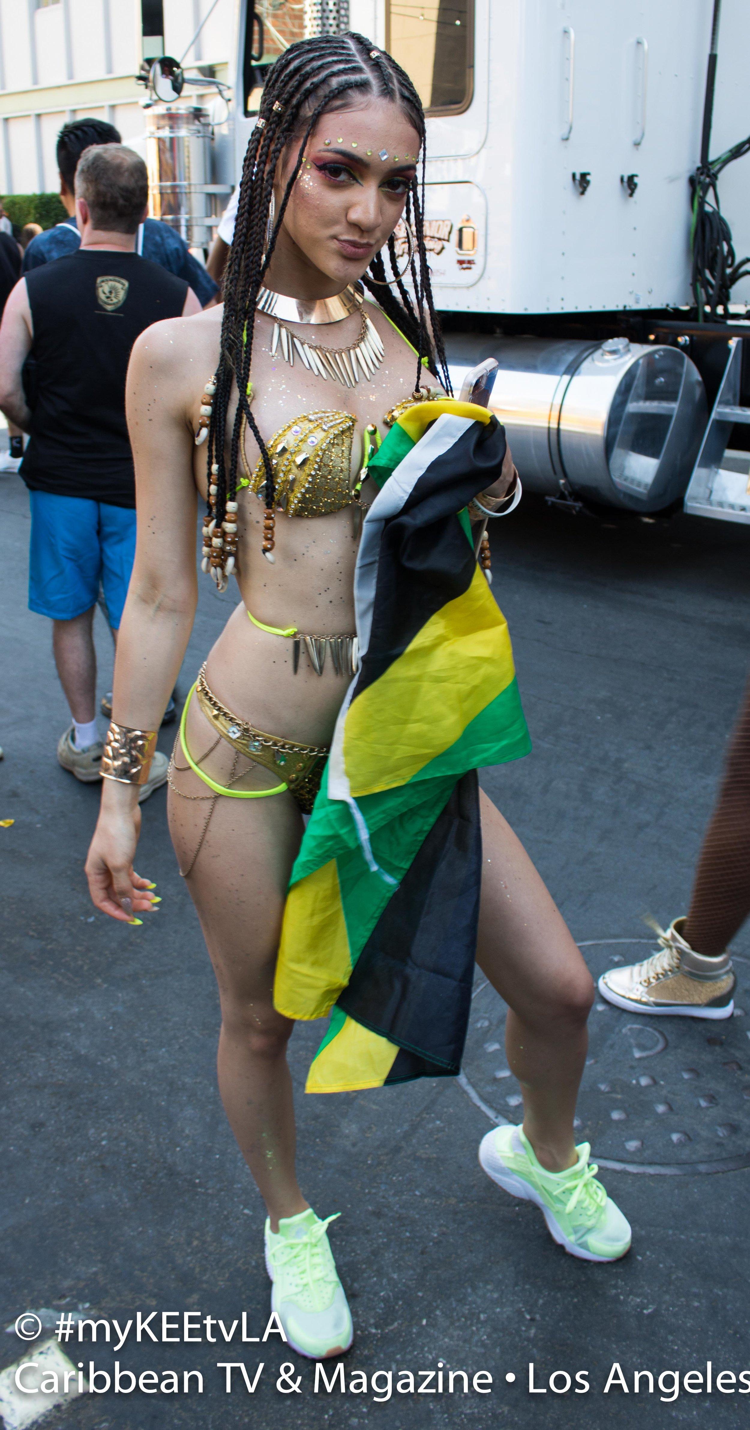 Samantha J Hollywod Carnival 17_0130 HQ-3-2.jpg