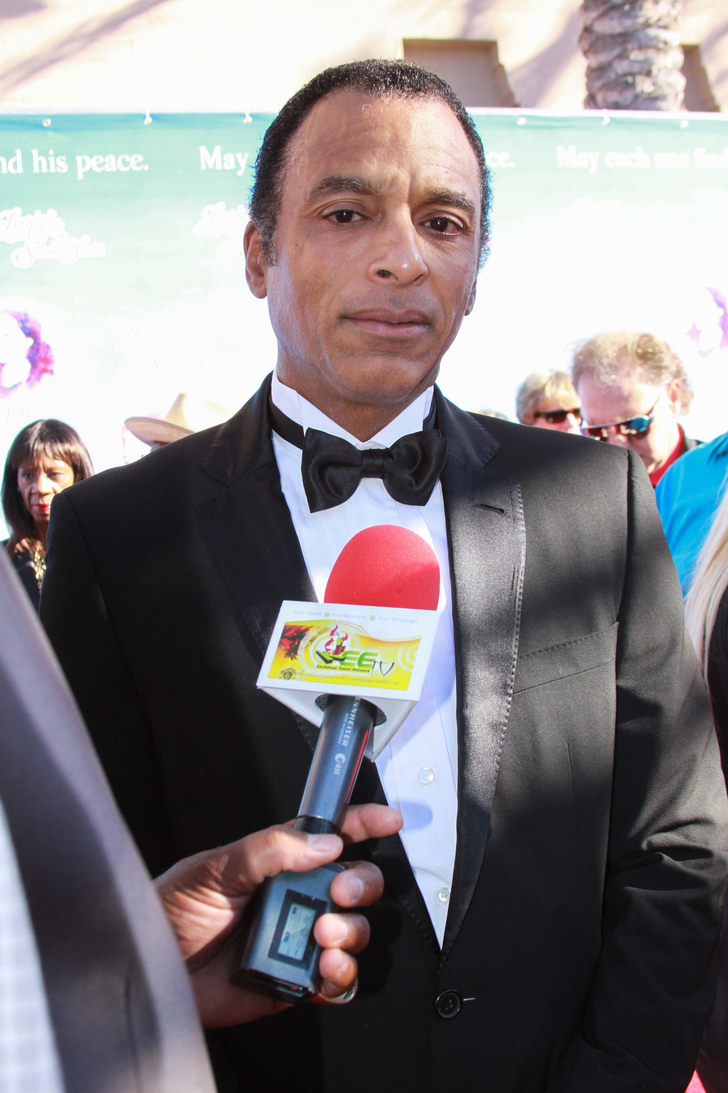 Jon Secada chats with myKEEtv