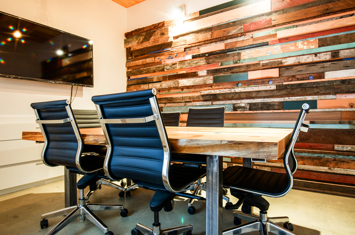 Boardroom - An upbeat, fun space. How a boardroomshould look!