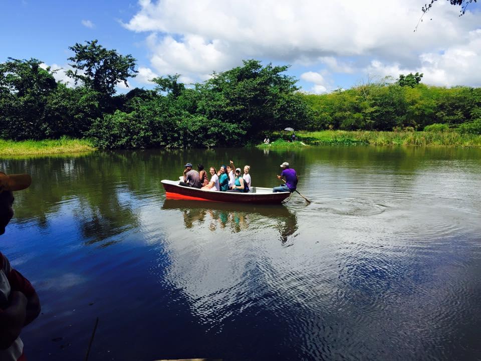 Boat tour of Cruz Verde lagoon
