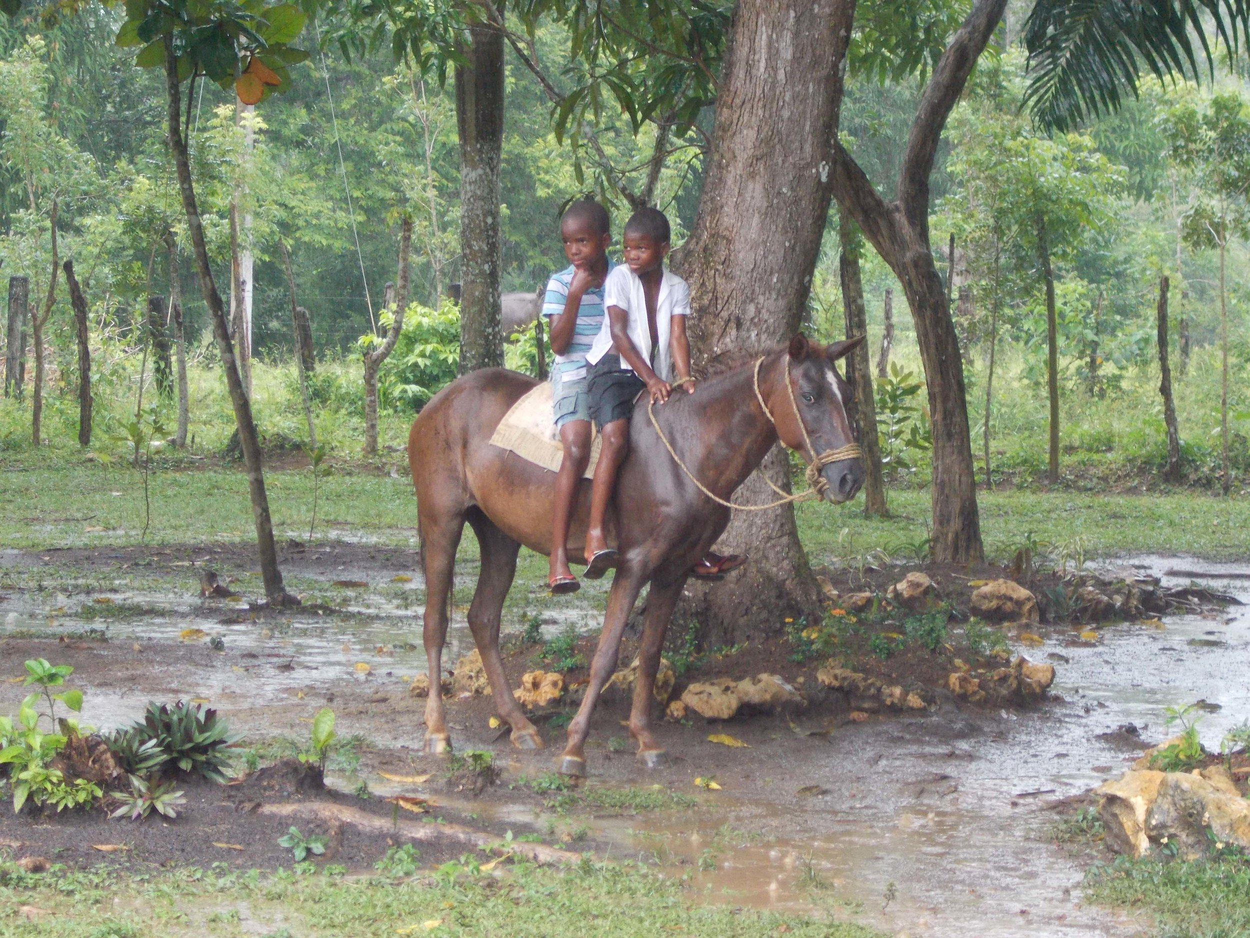 Cruz Verde boys on horse