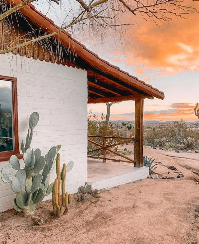 We'd dream e-z sleeping in this casita🌵. #seatdreamzzz photo via @thejoshuatreehouse