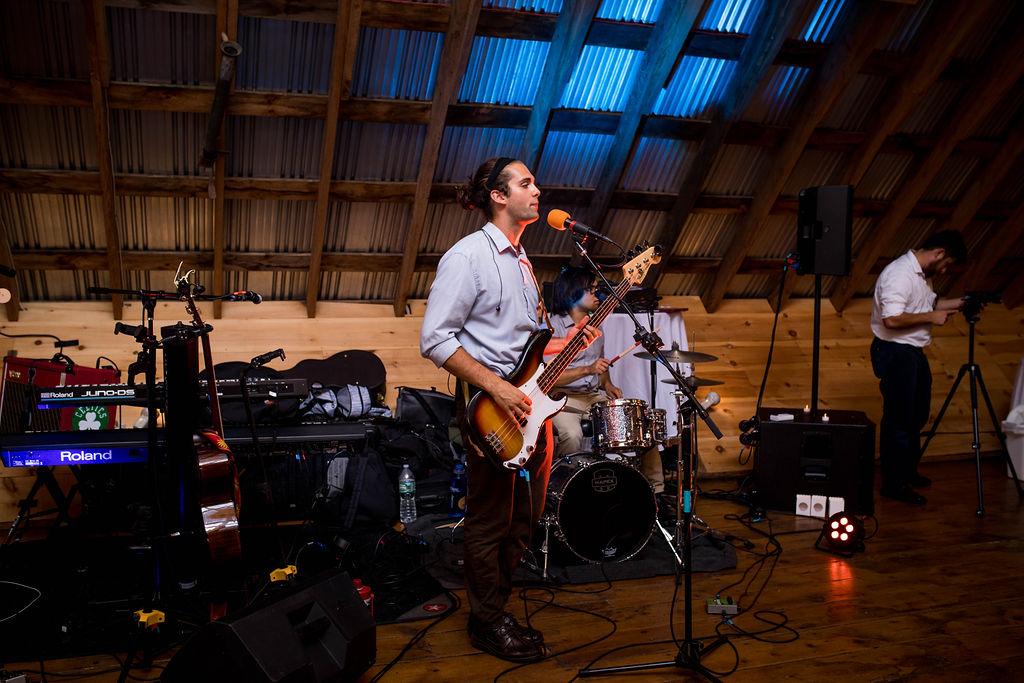 lucas-roy-bass-guitar-singer-at-wedding.img