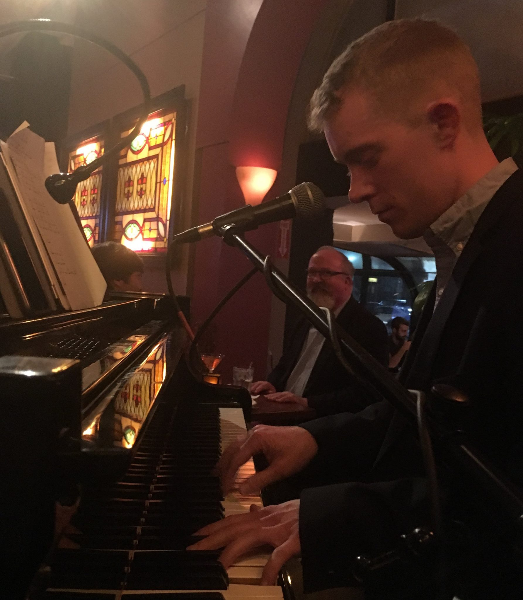 PIANO BAR SHOWS - I play almost 200 nights a year in New England. I play at Tin Pan Alley in Provincetown, Massachusetts and at the Front Porch Piano Bar in Ogunquit Maine.