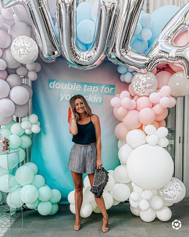 """hey, hey, SATURYAY! 🙌🏼🤗 if you've seen my stories then you know i'm in bed with bronchitis & laryngitis, BUT i had to reminisce on the new product launch event with @tula on thursday! 💙💙💙 got to mingle, sip, and laugh with my fav ladies + i got to meet a few new friends! #happyhappyhappy (swipe to see these beauties) SHOP my look by downloading the FREE @liketoknow.it app & searching """"alixhanahan"""" 😉 http://liketk.it/2CAkj #liketkit #LTKbeauty #TULAObsessed #tulabeauty"""