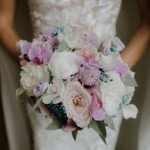 Atelier Ashley Flowers + DC Wedding Florist + Sarasota Wedding Florist + Tahoe Wedding Florist + Wedding Centerpiece + Bridal Bouquet +Bridesmaids Bouquets + https://www.atelierashleyflowers.com + Luck and Love Photography