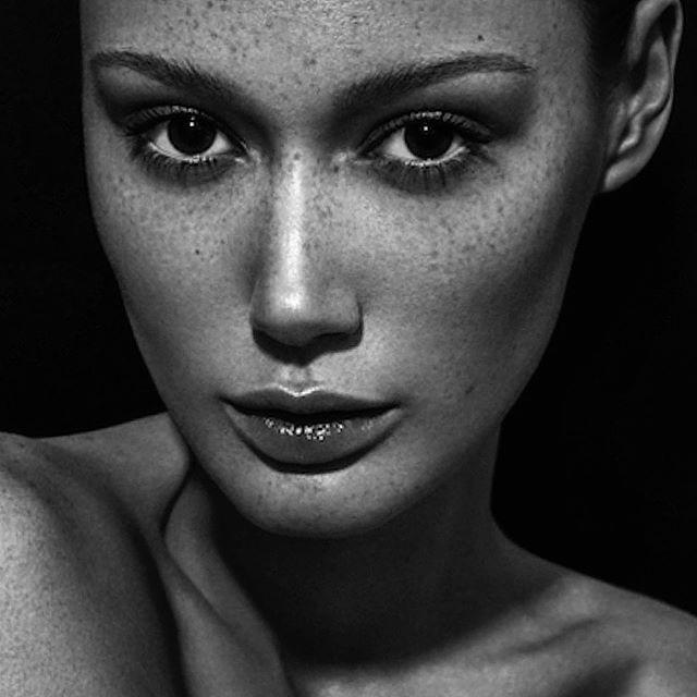 #freckles #fitskin #makeup #daledorning daledorning.work #makeup #makeupstudio #makeupacademy
