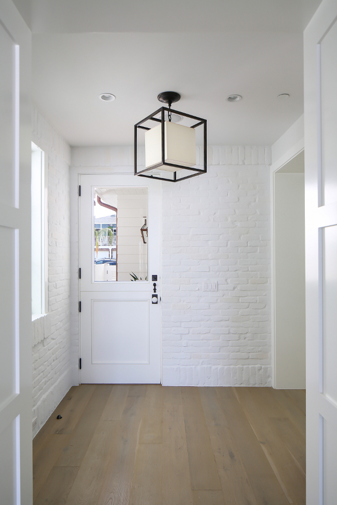 WHITE TEXTURED BRICK - The perfect way to add some texture while keeping things light and bright!Image by Home Bunch