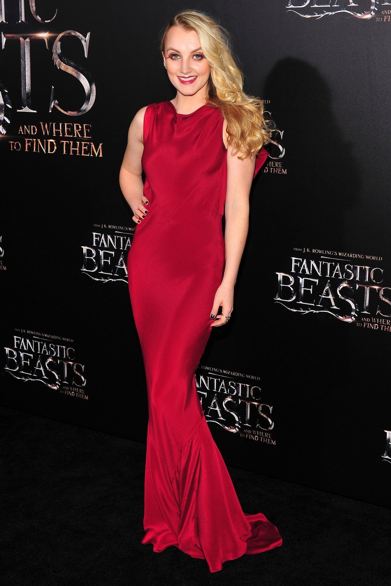 evanna-lynch-fantastic-beasts-and-where-to-find-them-premiere-in-new-york-city-15.jpg