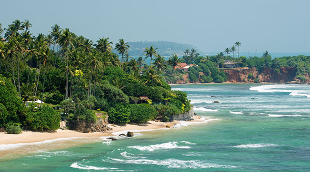 Sri Lanka 7 best surftowns around the world |  Unique Bohemian Beach Items from around the world | Salty Boho Boutique | www.saltyboho.com