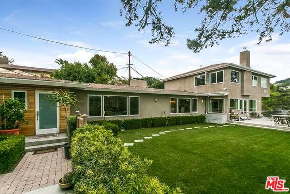 3486 Berry Dr - $1,150,000