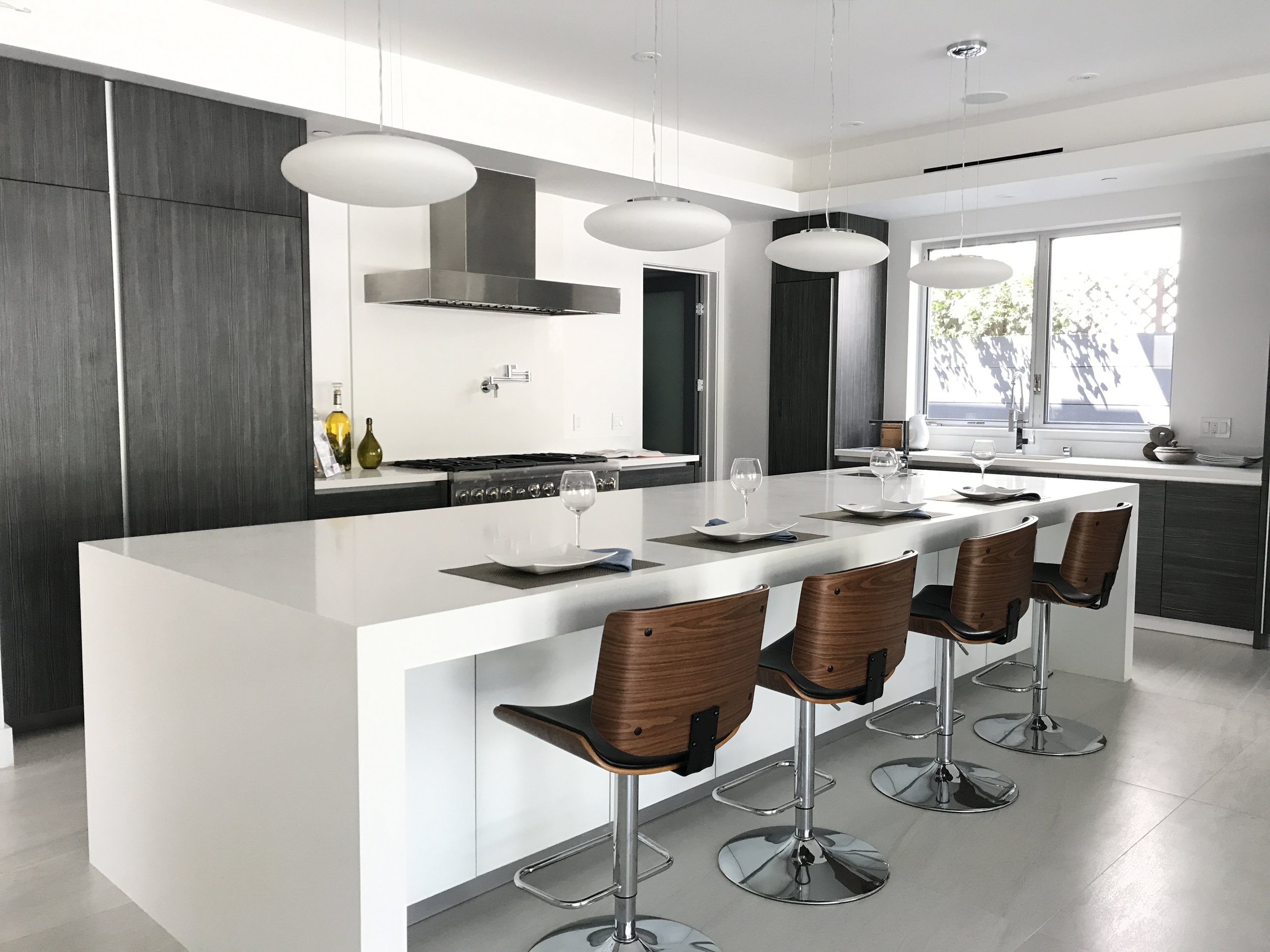 09 - Kitchen2.JPG
