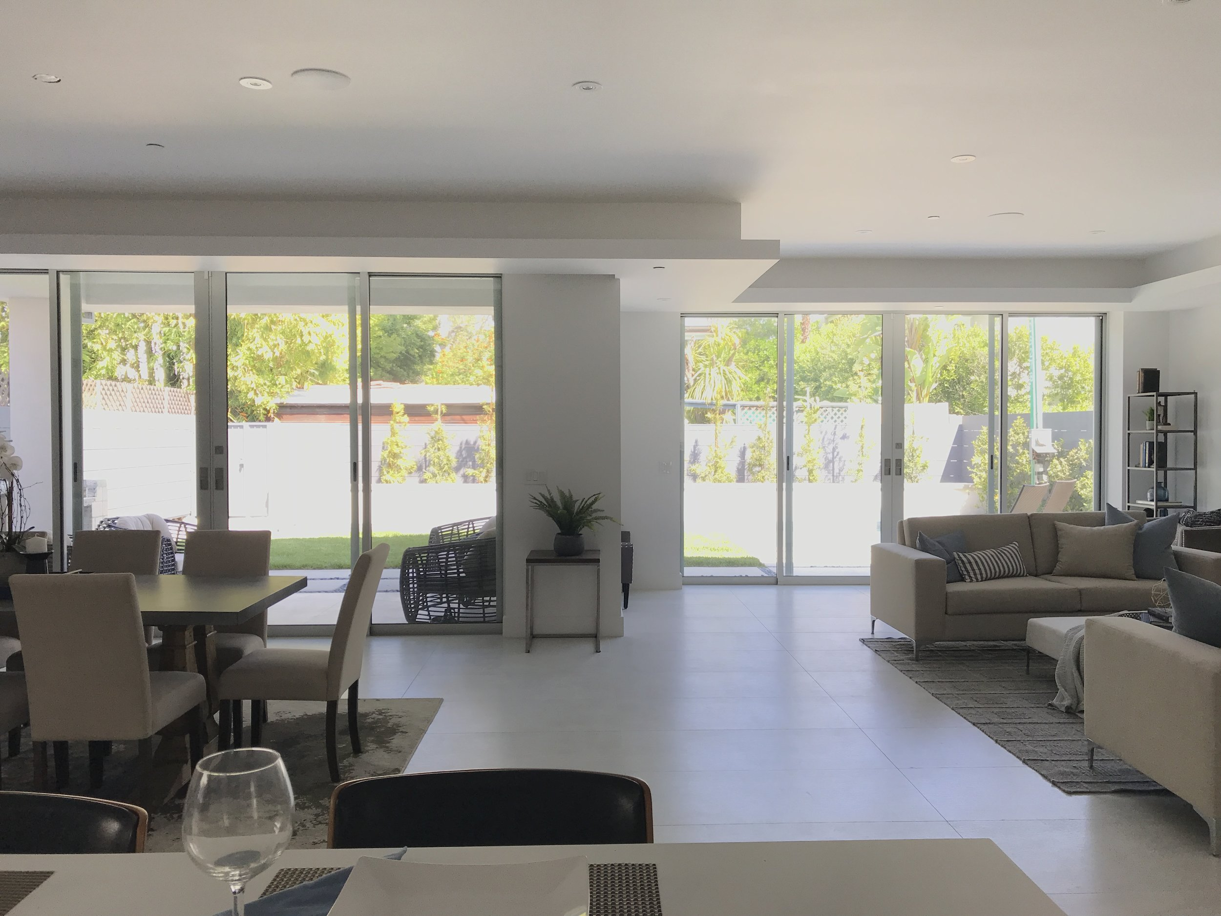 15 - Living Room4.JPG