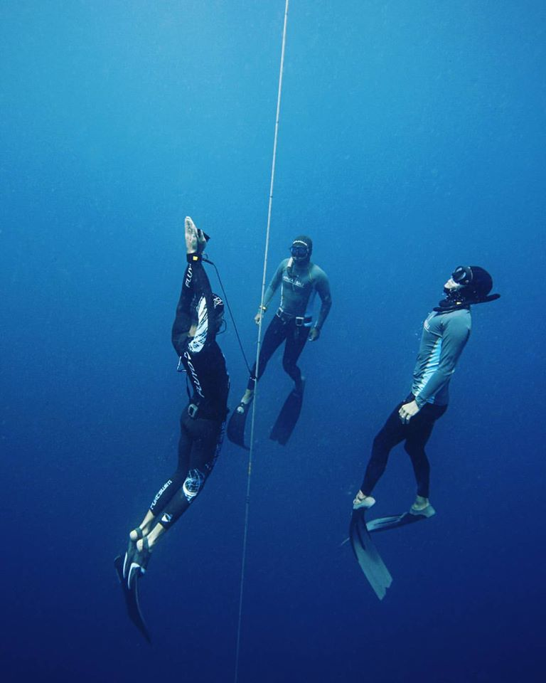 monofin ascending freediving competition