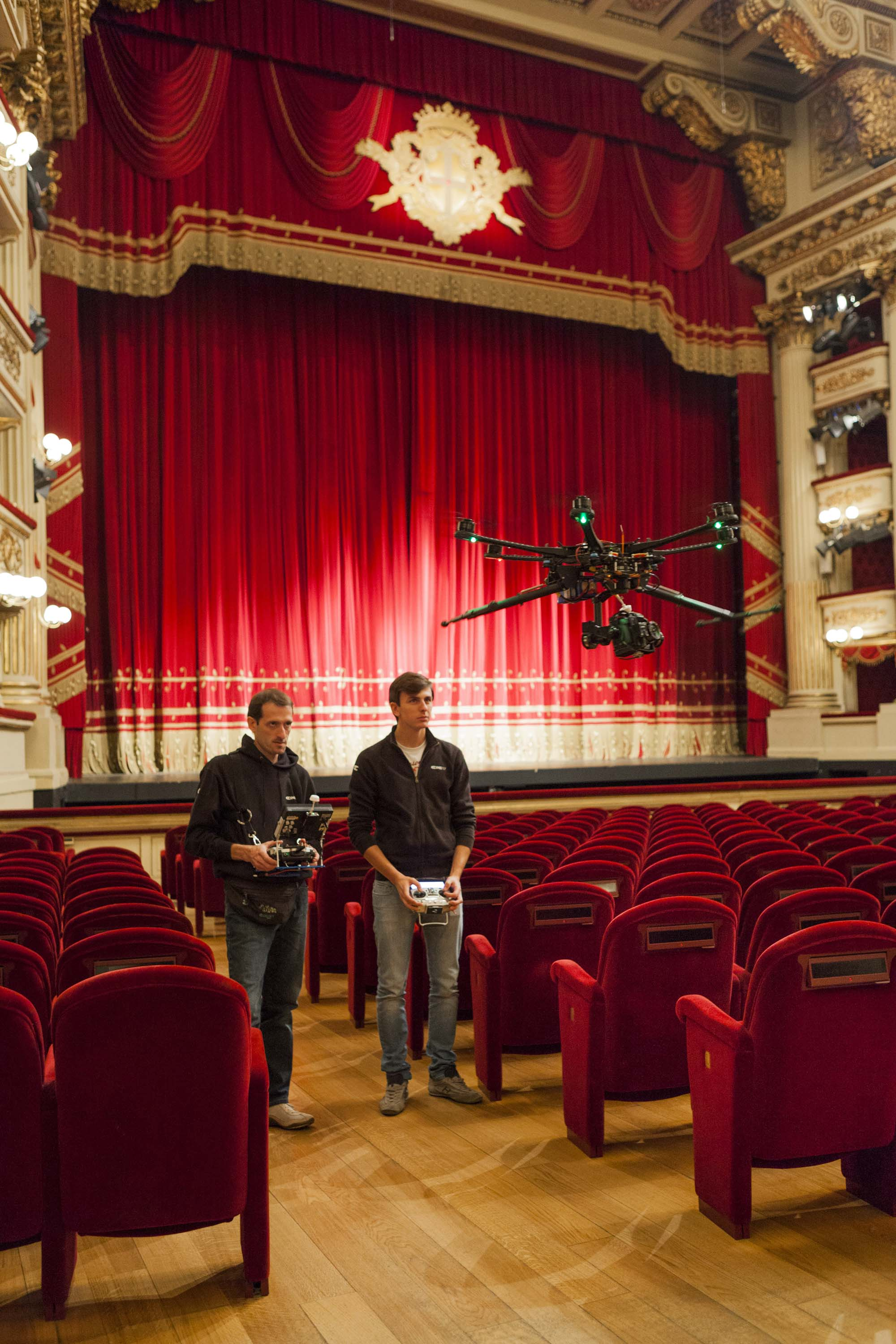 Set_Teatro_alla_Scala.jpg