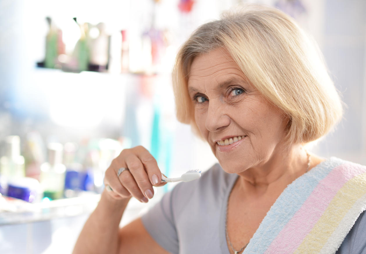 You can slow down the development of Alzheimer´s, if you maintain good oral health. Photo: Colourbox