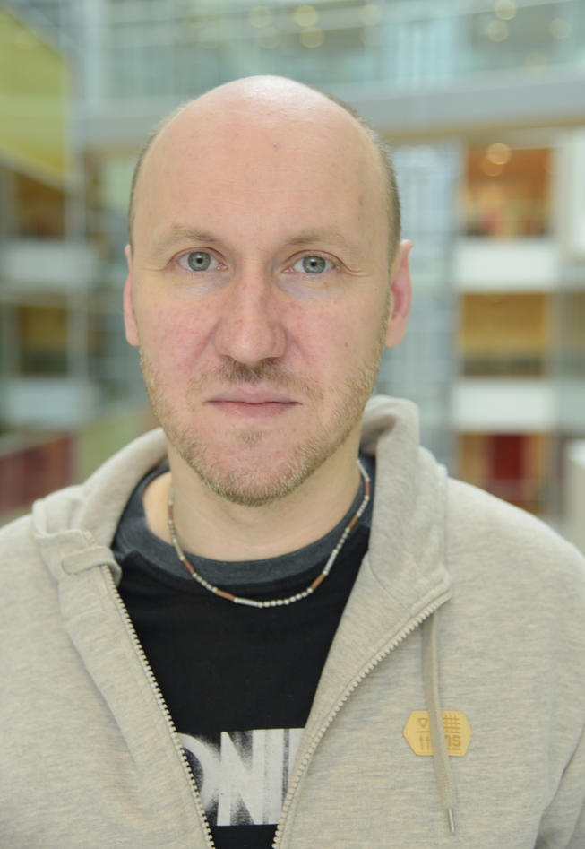 For several years, Piotr Mydel has done research investigating how different bacteria are implicated in Alzheimer's disease. Photo: Kim E. Andreassen