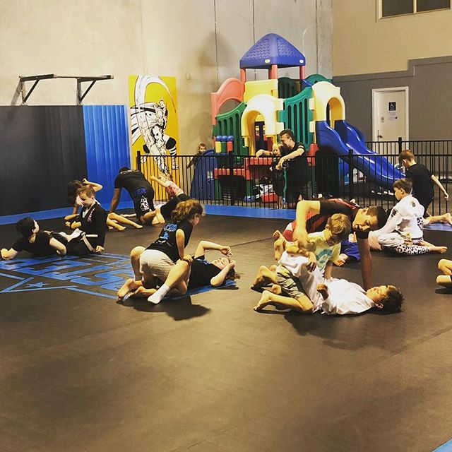 Busy night on the mats tonight! This was our children's Brazilian Jiu Jitsu class 🙂 We have 4 coaches on the mats to ensure that each child gets the help and attention that they need! #eagertolearn #childrensclasees #brazilianjiujitsu #coachcoster #mma #warragulmma #gippsland