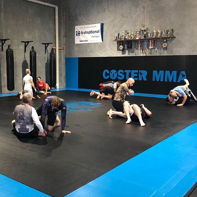 These guys smashing it in tonight's Brazilian Jiu Jitsu class despite this crazy hot weather ☀️☀️ #costermma #coachcoster #nothingputstheseguysoffthiertraining #warragul #gippslandmma #brazilianjiujitsu