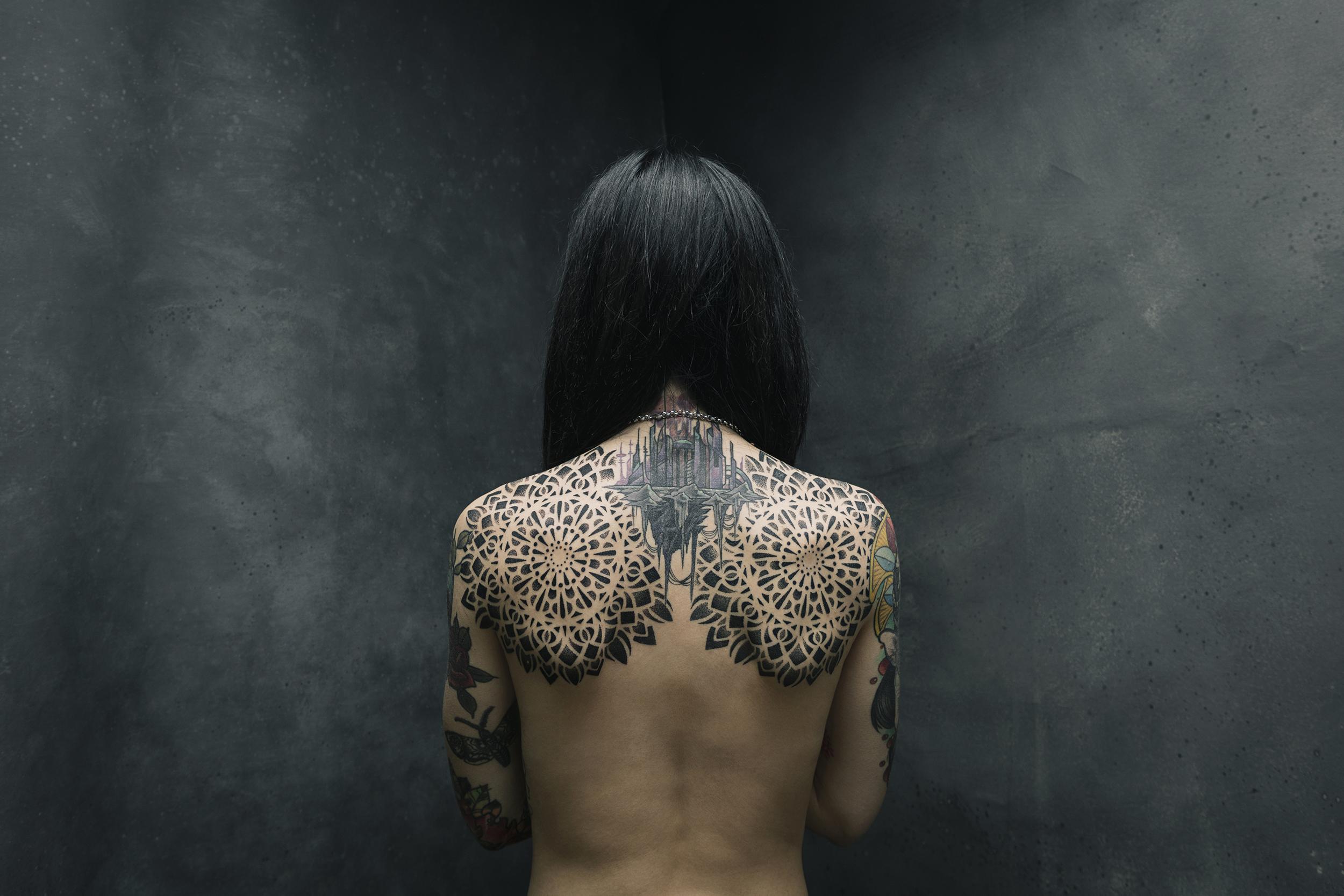 giorgio-leone-institutional-corporate-skin-frame-tattoo-artist-portrait-barbara-buchignani-2.jpg