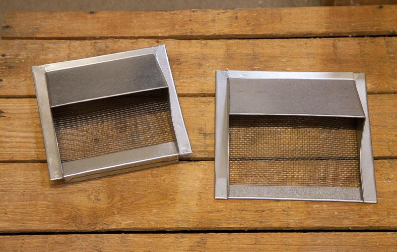 Ulkokehys räppänä verkolla, pinta-asennusmalli 20 x 20 cm tai kaulusmalli 15 x 15 cm (aukko), 39 eur.