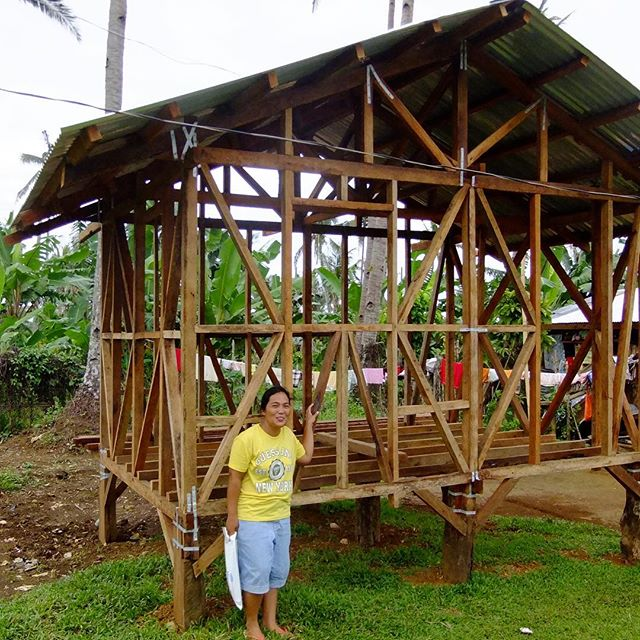"""Amazing insight from our panelists last night 🙌🏻 1. Tom Newby from @careorg told us how this single woman built this house on her own in the Phillippines. It won the @world_habitat_awards in 2017. Putting the people at the centre of their choices when it comes to their house rather than imposing a set model is the way forward  2. Since 2015, Jaz @theworldwidetribe has been visiting many camps, and one thing that she was asked for constantly was connection to her phone. She went on to provide Wifi boxes to many camps in the middle East through @jangalawifi  3. Dr Mark E Breeze made the case for why architects are needed to think of housing solutions with both functionality and humanity. A striking example with the tin roofs in this Jordanian camp which become burning hot  4. """"This is architecture"""" said @robert_mull of this picture of a house in the Calais Jungle in 2015, where fire blankets were used for decoration. In camps, people need to personalise their home like everywhere else.  To see how you can help improve the outcome for displaced communities, see link in bio ☝️ #walkthetalk @suhairk"""
