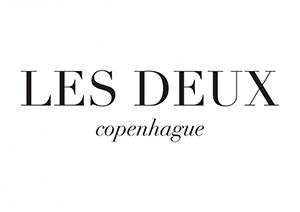 LE DEUX.png