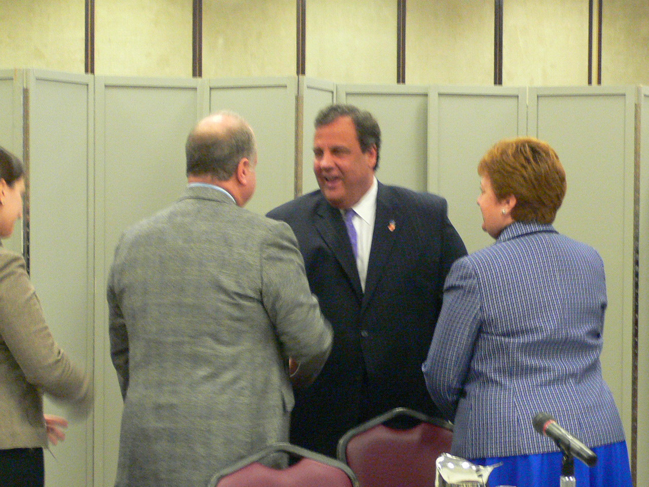 2013-12-03-Christie-Meeting-1.jpg