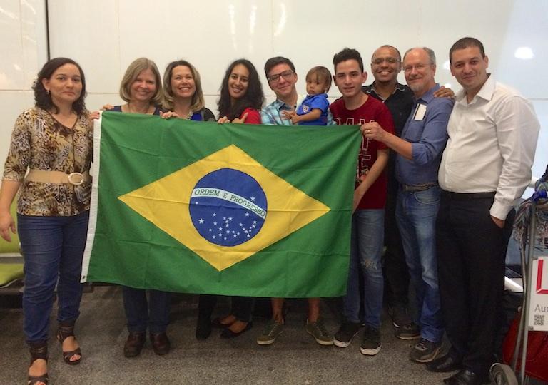2015-07-30-Brasília-DF-Despedida-at-the-airport-9069.jpg